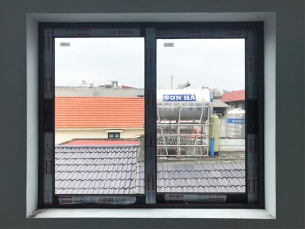 cửa sổ nhôm mở trượt 2 cánh