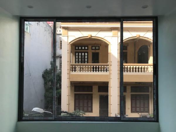 cửa sổ nhôm mở trượt 3 cánh 1